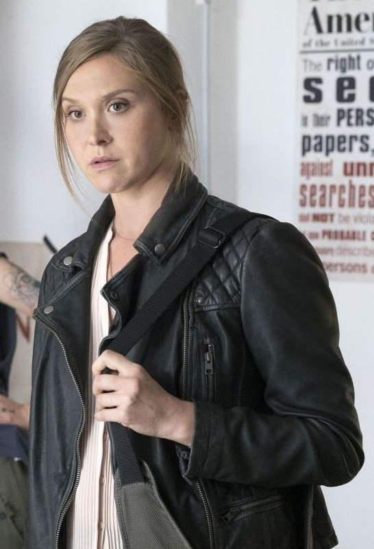 laura-sutton-jacket-from-the-homeland-tv-series