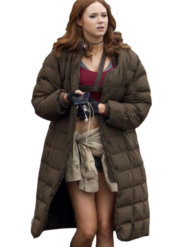 karen-gillan-coat